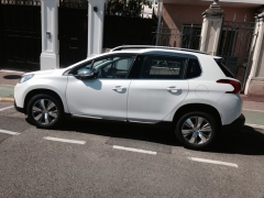 Кроссовер «Peugeot 2008»